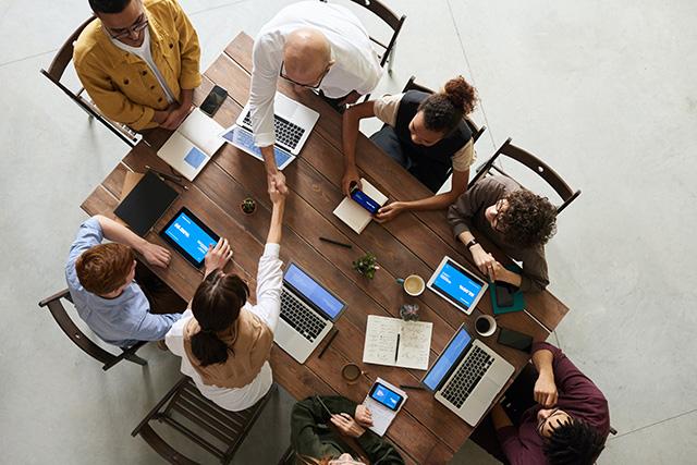 formrunは、CRM機能でチームでの顧客管理ができる