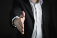 レンタルサーバー 希望に合うサイト制作業者を効率よく見つける方法 知り合いを探す