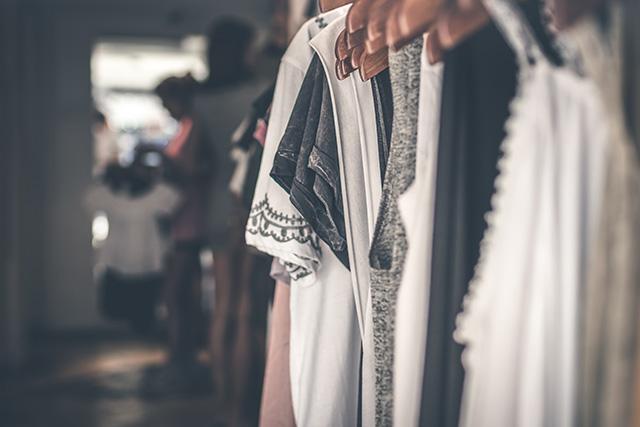 コロナの逆風に負けず、人気上昇中のファッション・家具サブスク