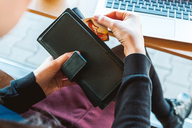 決済手段は街では現金・クレジットカード、ECではクレジットカードが強い ~決済ニーズアンケート~